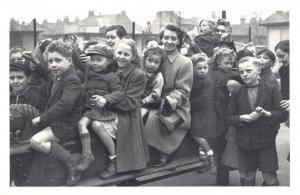 Nostalgia Postcard New Children's Playground, Camberwell 1950 Repro Card NS58