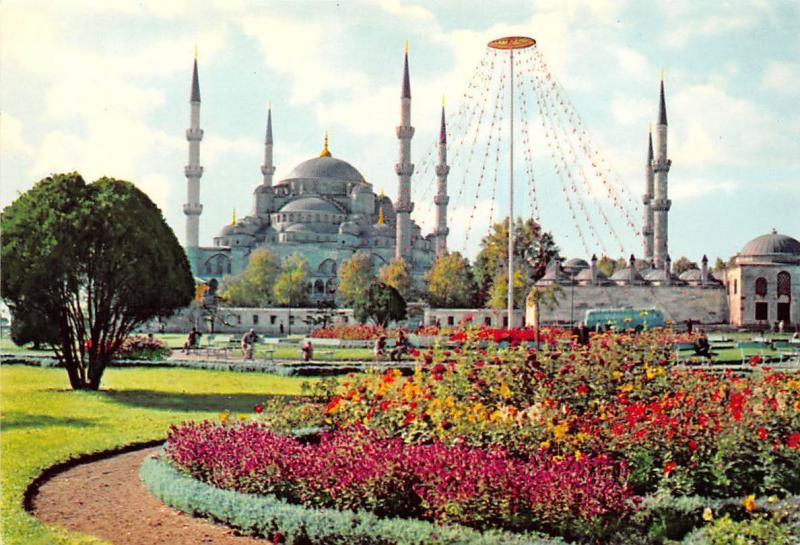 Turkey Istanbul, La Mosquee Bleue, The Blue Mosque Flowers Promenade