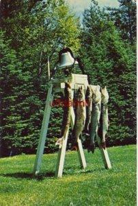 ARDELLEAN'S RESORT - HAYWARD, WI Muskellunge, fighters of the big lakes 1957