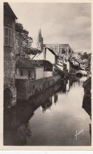 RP: CHARTRES , France, 1930s ; L'Eure et la Cathedrale