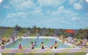 Pennsylvania Cresco Mape Lawn Inn With Swimming Pool