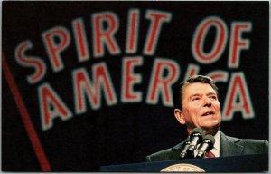 1980s President RONALD REAGAN Postcard Speech Scene SPIRIT OF AMERICA Banner