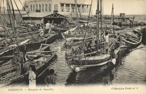 CPA Djibouti Afrique - Barques de Somalis (87024)