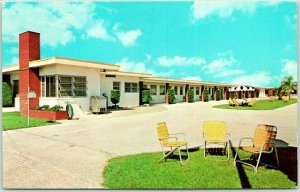 Clearwater, Florida Postcard DIANE COURT Highway 60 Roadside Chrome 1970 Cancel