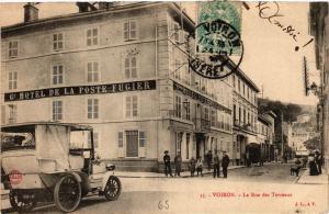 CPA VOIRON - La Rue des Terreaux (653202)