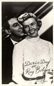 CPA AK Artiste Cinema Film - Doris Day & Ray Bolger (91538)