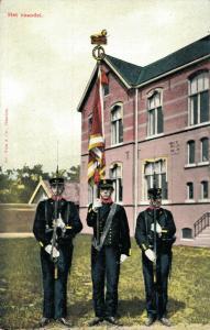 Military postcard Het vaandel 02.14