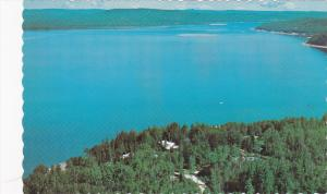 Chalet Bungalow Lodge on Lake Helen,  Nipigon,   Ontario,   Canada,  40-60s