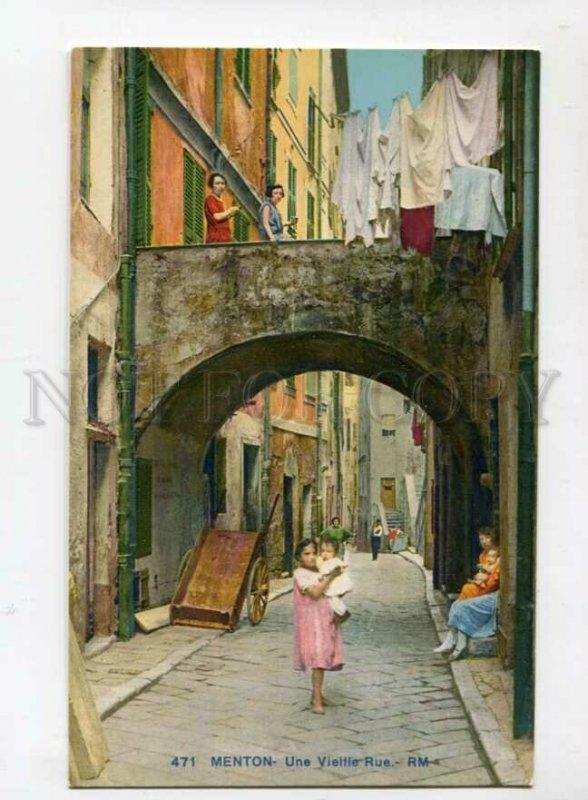 3106122 FRANCE Menton Une Vielle Rue RM native girl Vintage PC