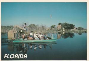 Airboat in Florida - Micoosukee Indian Village Tamiami Trail