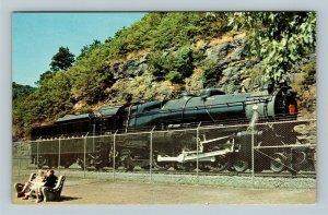Memorial K4 Steam Locomotive, Pennsylvania Railroad, Chrome Postcard