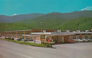 CARYVILLE , Tennessee, 40-60s; Holiday Inn