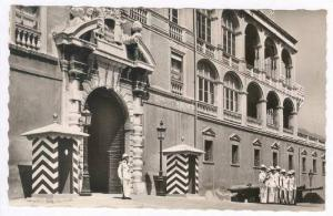 Monaco, 1920-40s, RP La Garde En Tenue D'Ete Devant Le Palais Princier