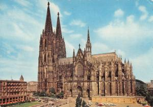 GG13920 Koeln am Rhein Dom Cathedral Cars Auto Voitures