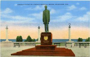 Lincoln Statue on Lincoln Memorial Bridge - Milwaukee WI, Wisconsin