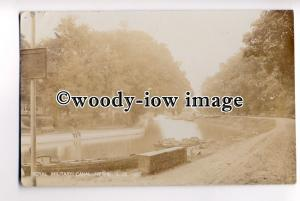 tp0826 - Kent - Gents sat on edge of the Royal Military Canal, Hythe - postcard