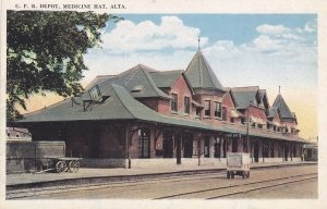 MEDICINE HAT , Alberta , 1910s ; C.P. Railroad Train Depot