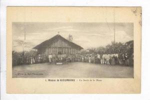 Mission de Njoumbeng, Cameroon - La Sortie de la Messe, 00-10s