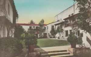SANTA BARBARA , California, 1900-10s ; Inner Court, De La Guerra Studios