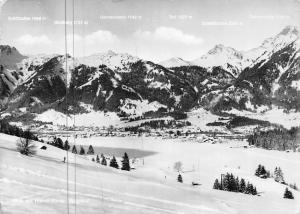 Blick auf Hahnenkamm Skigebiet Gesamtansicht Mountains Panorama