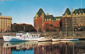 Empress Hotel, Boats, Inner Harbor, VICTORIA, British Columbia, Canada, 40-60´s