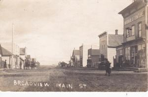 RP: Main Street , BROADVIEW , Saskatchewan , Canada , 00-10s