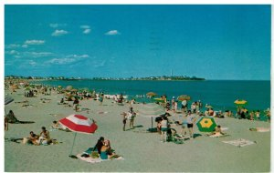 Postcard - Bathers On The Beach, Hampton Beach, New Hampshire