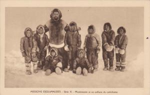 Eskimo Family, Missions Esquimaudes, Serie X, Missionnaire Et Ses Enfants Du ...