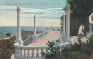 MILWAUKEE , Wisconsin , 1913; Entrance to Stadium, Lake Park