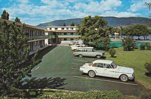 Downtown Motel , On the shore of Lake Okanagan , PENTICTON , B.C., Canada , 5...