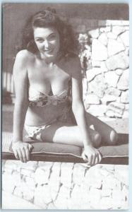 Sexy Pin Up   BATHING BEAUTY   Bikini Brunette Cleavage ca 1950s-60s Arcade Card
