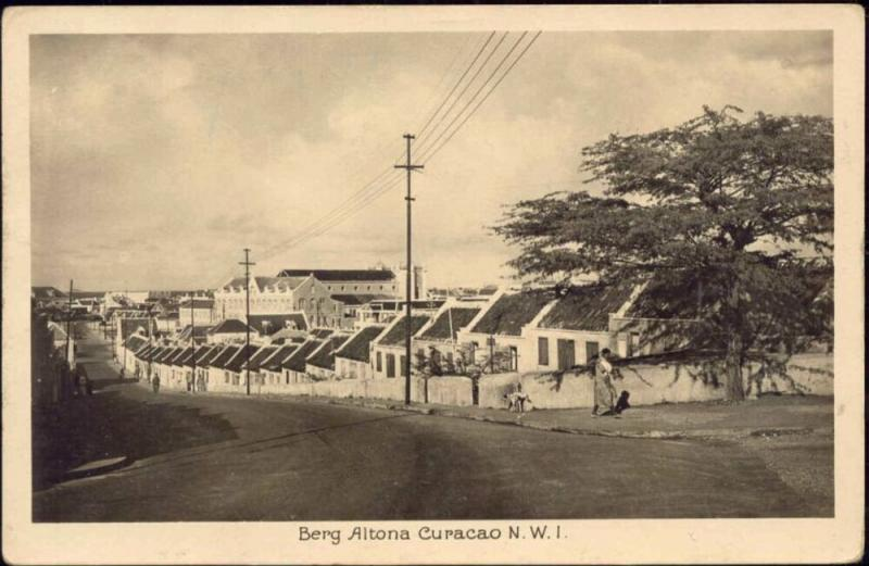 curacao, N.W.I., WILLEMSTAD, Berg Altena (1930s) RPPC
