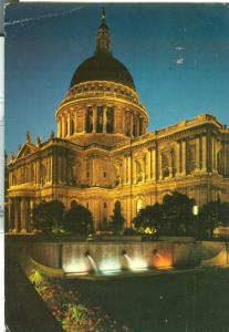 United kingdom, London, St. Paul's Cathedral floodlit
