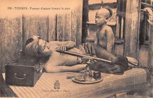 Tonkin Vietnam, Viet Nam Fumeur d'Opium fumant la pipe Tonkin Fumeur d'Opium ...