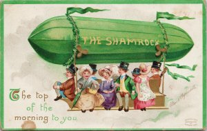 The Shamrock Balloon Ride 'Top Of The Morning' Clapsaddle Postcard F61 *as is