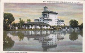 Colorado Colorado Springs The Broadmoor Hotel Mirrored In The Lake Curteich