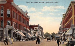 Big Rapids MI~South Michigan Avenue~Man Sets Camera on Tripod~Dr Macintyre~1909
