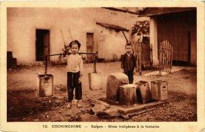 CPA AK INDOCHINA Saigon Nhos indigenes a la Fontaine VIETNAM (957405)
