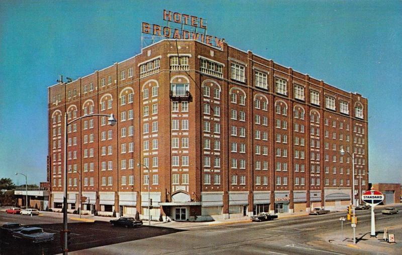 Wichita Ks Kansas Broadview Hotel Street View Standard Sign Chrome Postcard