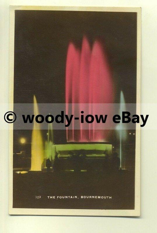tp8367 - Hants - The Illuminated Fountain at Night, Bournemouth -  postcard