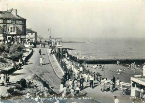 Postcard UK England Walton-on-the-Naze, Essex Pier view
