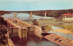 Minneapolis Minnesota~US Government Dam & Locks~Bridge~Info on Bk~1960s Postcard