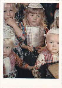 Netherlands Marken Children In Traditional Costume
