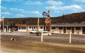 TEMISCOUATA , Quebec , Canada , PU-1989; GULF Gas Station & Motel Riverside