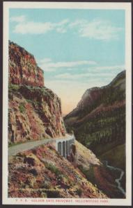 Golden Gate Driveway,Yellowstone Postcard