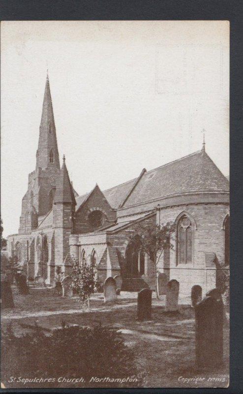 Northamptonshire Postcard - St Sepulchres Church, Northampton   DC1403