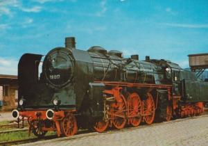 Schnellzug Lokomotive 19 017  German Train Postcard