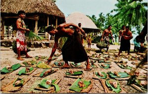 Salemumu Western Samoa Men Preparing Salmon Feast Unused Vintage Postcard F56