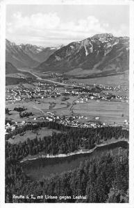 Reutte im Tirol mit Urisee gegen Lechtal Gesamtansicht Berg Panorama