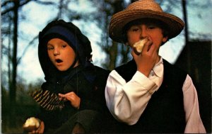 Postcard PA Pennsylvania Dutch Country Young Amish Boy and Girl Unposted